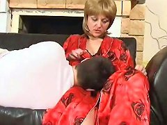 Mom And Not Sleeping Son Free Mom And Not Son Porn Video D7