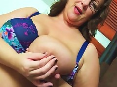 Sensual Striptease With A Chubby Solo Mom