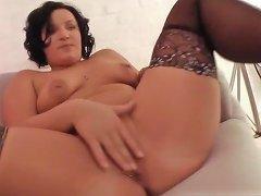 Deutsches Sex Casting Mit MILF Lisa Teil 2