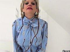 Adulterous British Milf Gill Ellis Showcases Her Giant Puppi Nuvid
