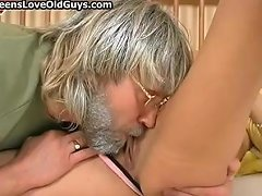 Teen Girl Gets Her Tight Pussy Licked