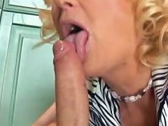 Lusty Mature Housewife Gets Laid With Nerdy Stud At Her House